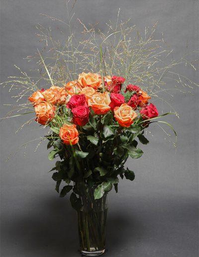 blumenstrauss-gestecke-rosen-blumenhalle-boehme