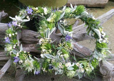 hochzeitskranz-hochzeitsblumen-hochzeitsfest-deko-blumenhalle-boehme