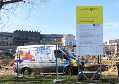 Bauschild-Baustelle-Ferdinandplatz-am-Karstadt-Dresden-wegaswerbung