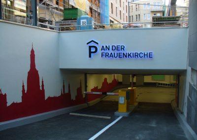 Leuchtbuchstaben-Tiefgarage-An-der-Frauenkirche-wegaswerbung